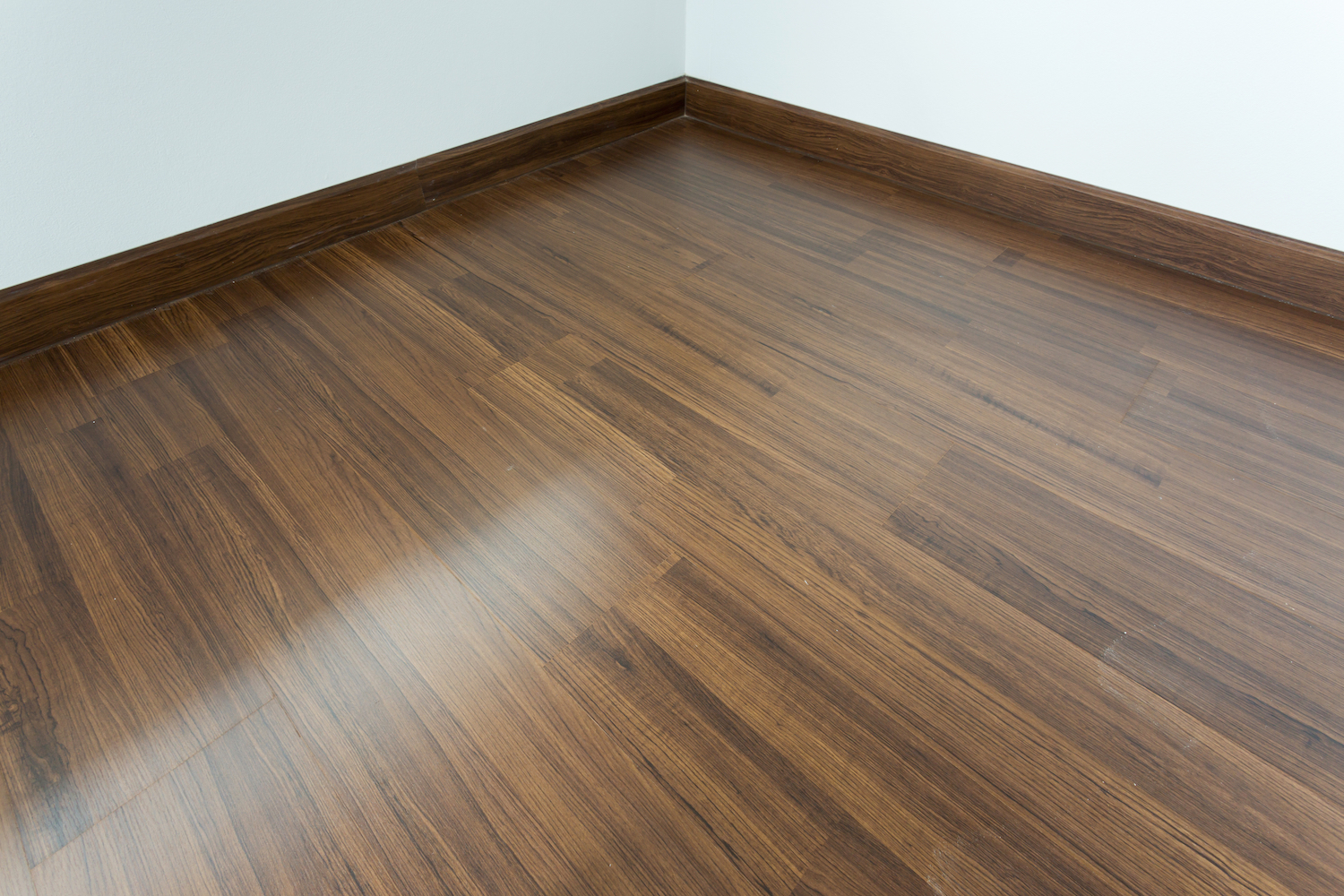 Laminate flooring contractor bromley j henry flooring for Laminate flooring contractors